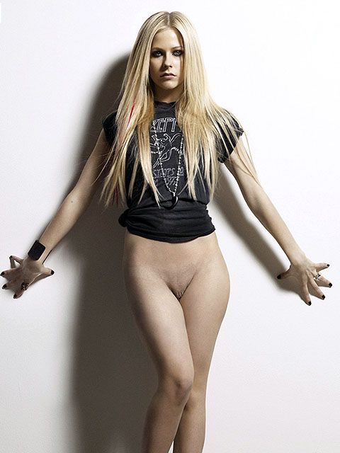 Avril lavigne nacked photo