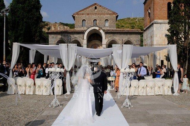 Sant'Angelo in Formis. Rito nuziale all'aperto Sposa