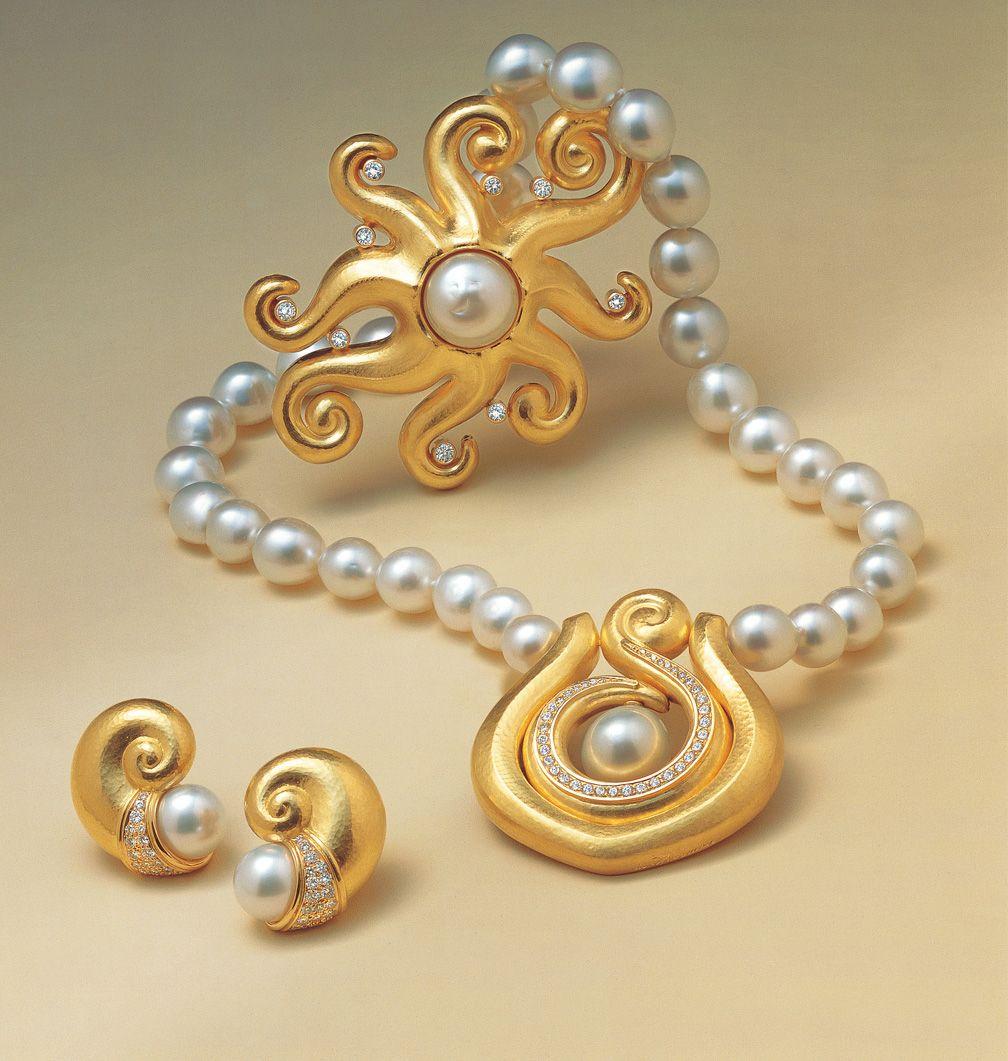 Leo de Vroomen 18ct gold with South Seas pearls Exquisite