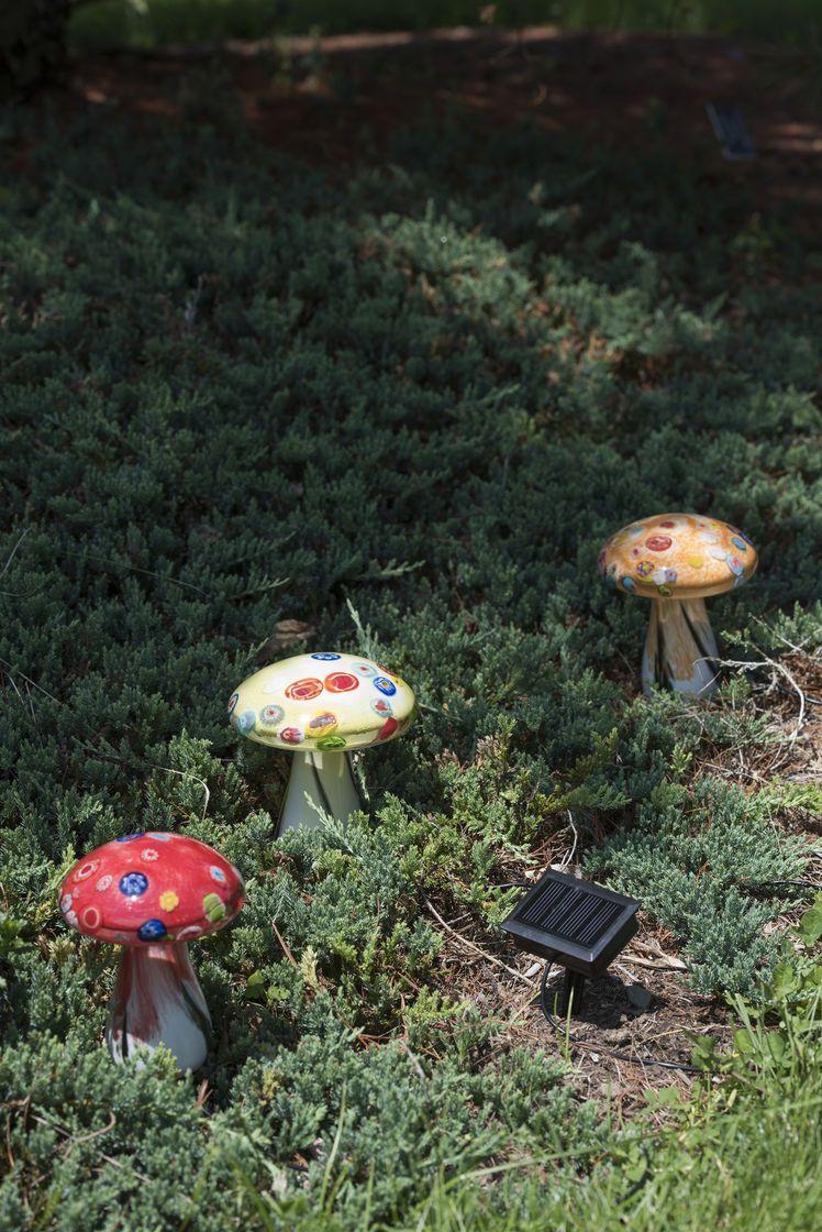 Glass Mushroom Solar Lights Set Of 3 Gardener S Supply Glass Mushrooms Solar Lights Solar Garden Art