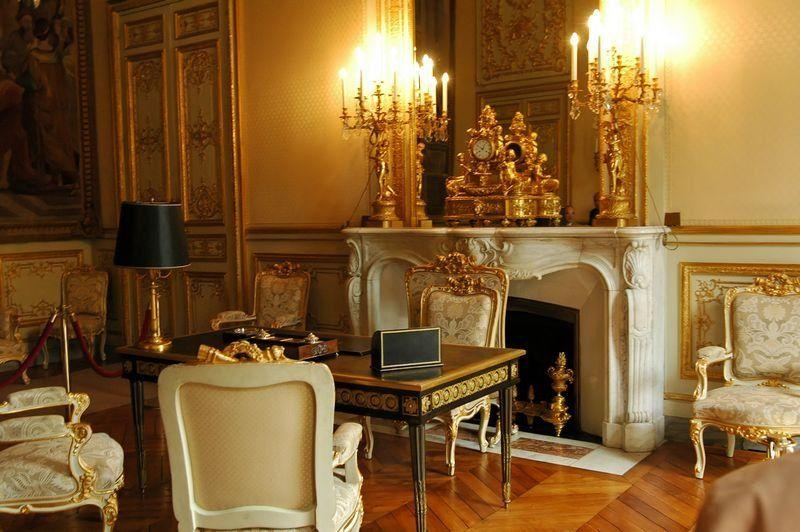 Hôtel de lassay paris france. le bureau noir de napoléon 1er