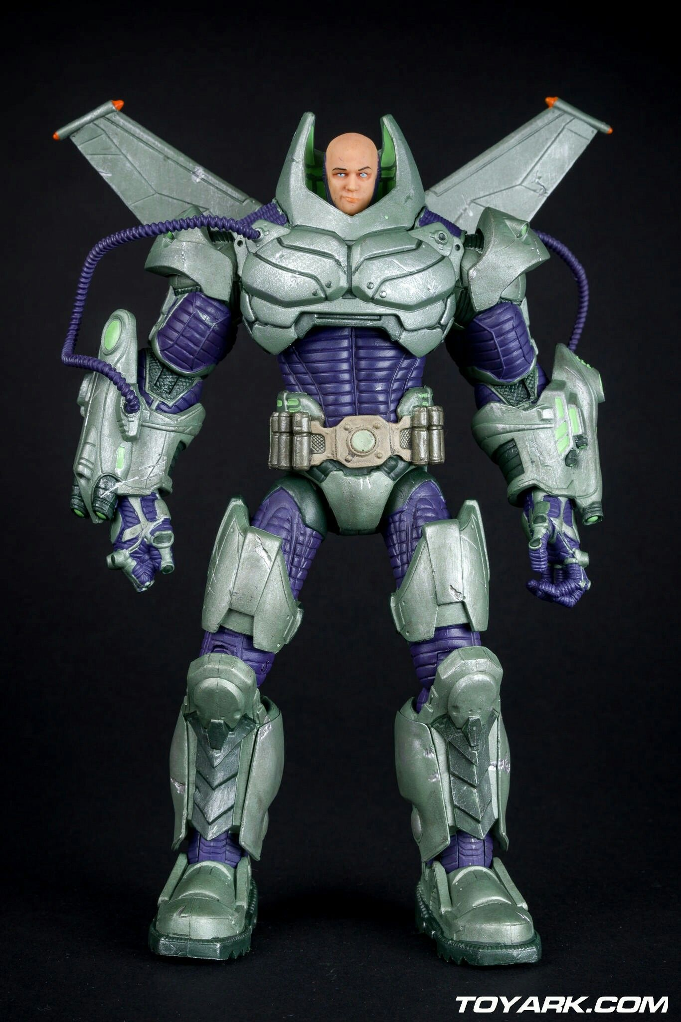 DC Collectibles Lex Luthor Battle Armor Deluxe - price should NOT exceed $60