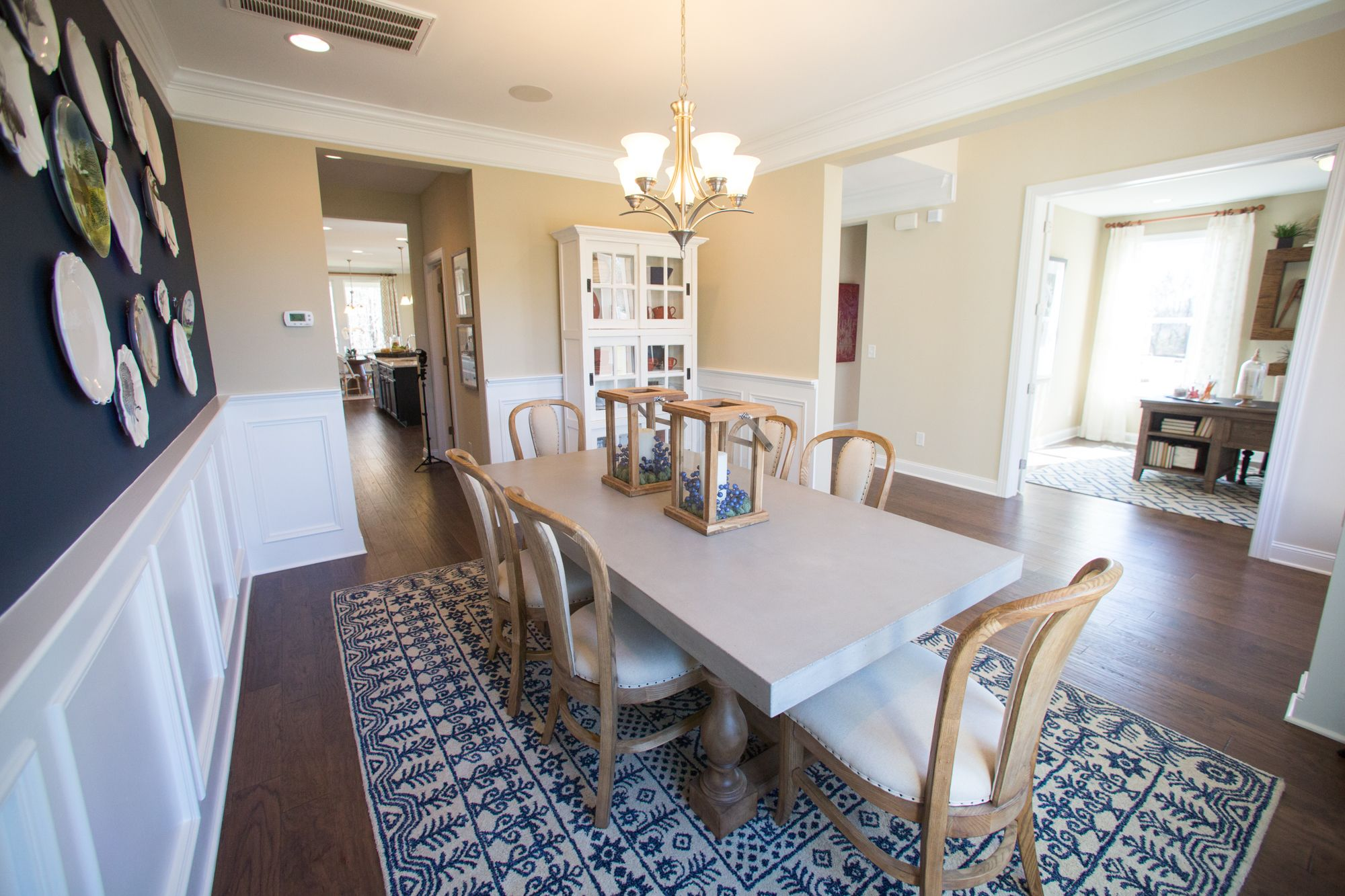 Plenty of space for formal dining and living areas! Find