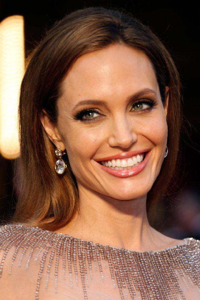 Angelina Jolie 2014 Academy Awards - Red Carpet