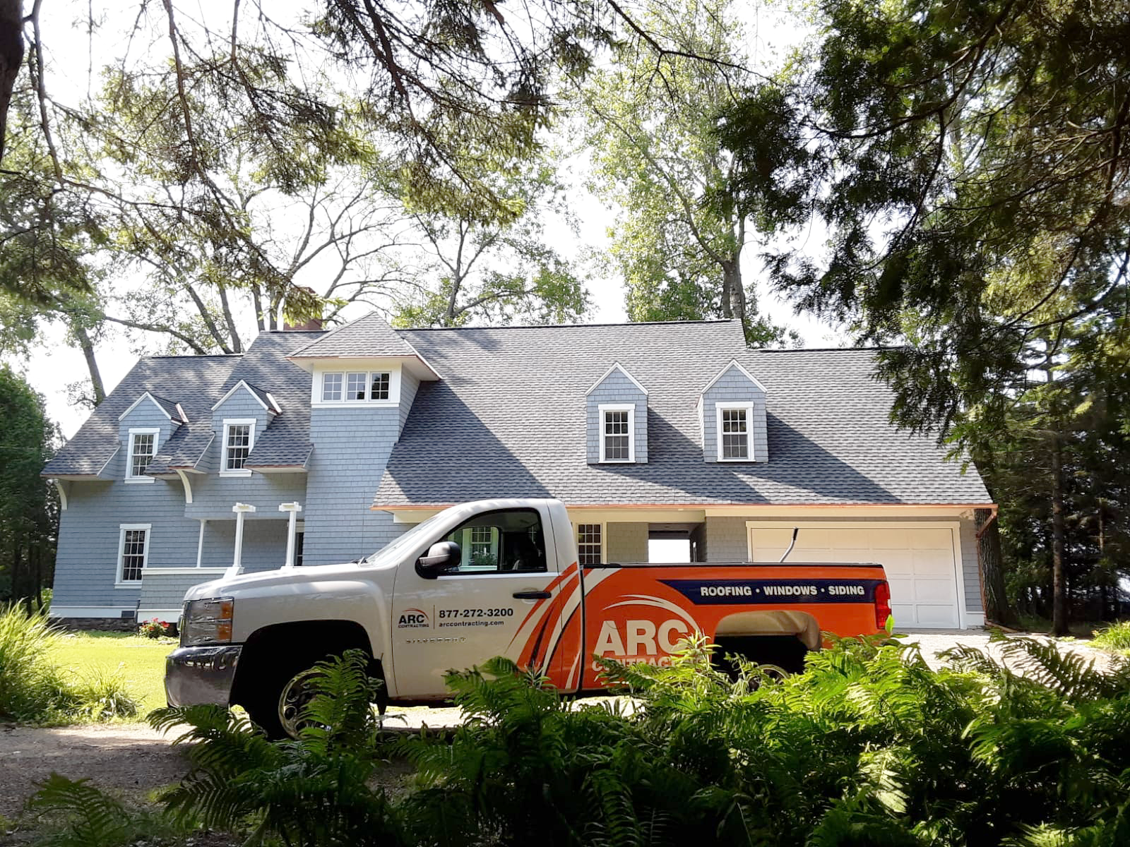 A Beautiful Day To Get The Roofing Job Done Roofing Roofing Jobs Commercial Roofing