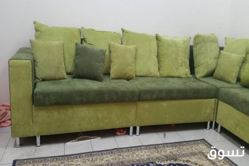 طقم كنب مخمل أخضر زاوية جديد الحالة مستخدم السعر 2 000 Sar قسم الأثاث Furniture Sectional Couch Couch