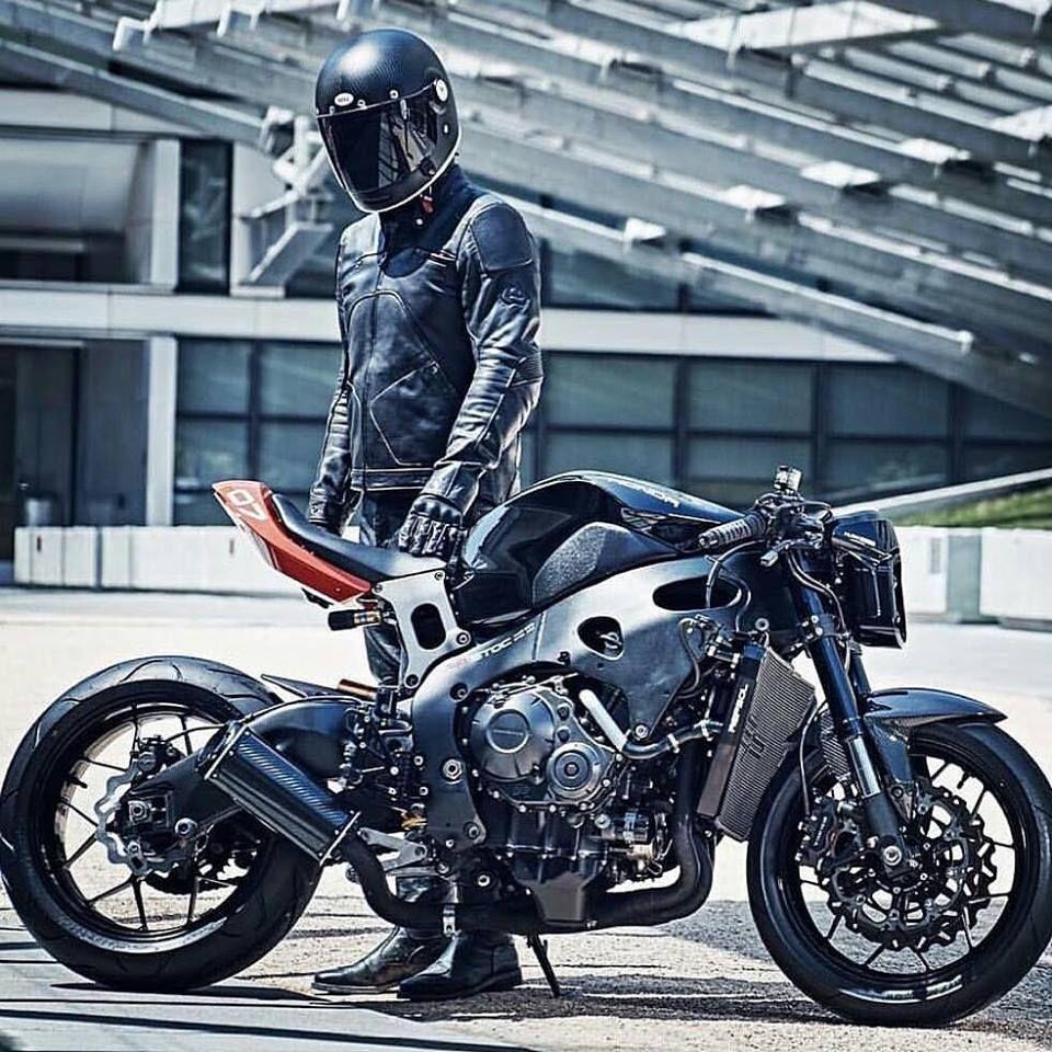 honda cbr 900rr black custom bikes autos und. Black Bedroom Furniture Sets. Home Design Ideas