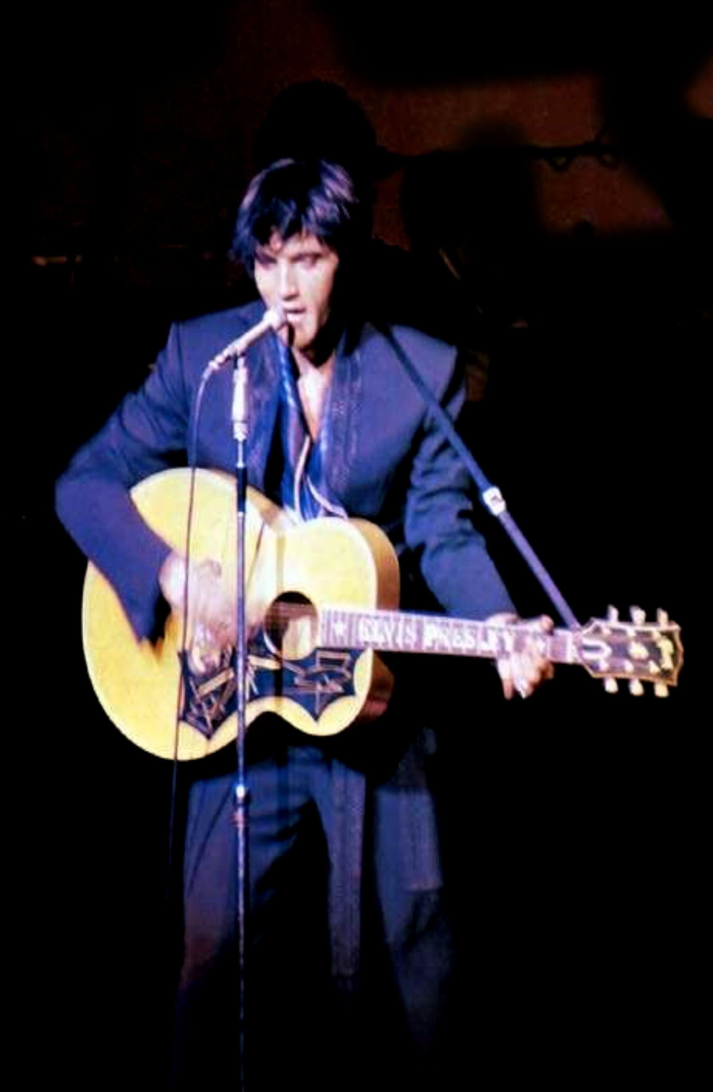 Elvis Live On Stage In 1969 Elvis Presley Elvis Presley Las Vegas Elvis Presley Concerts