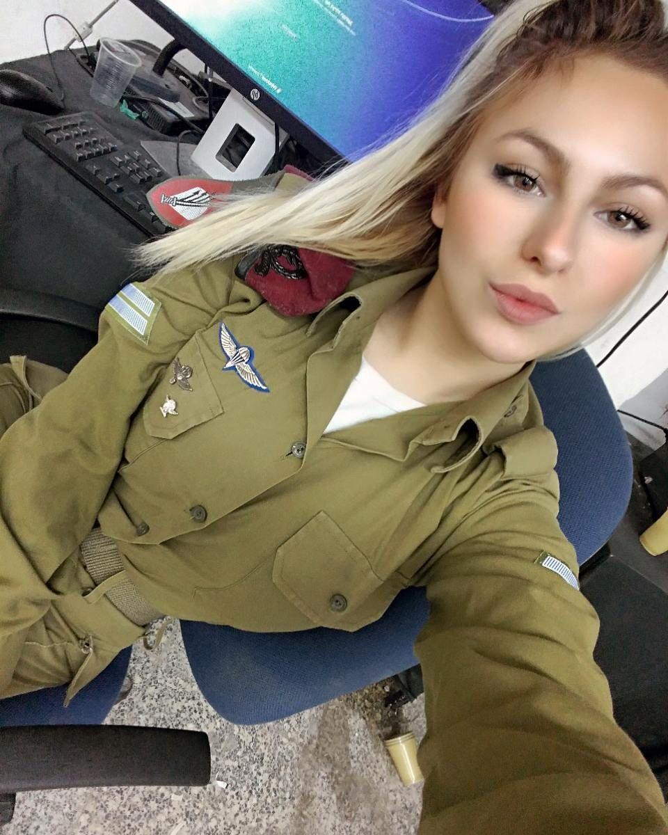девушка модель работы бортовой