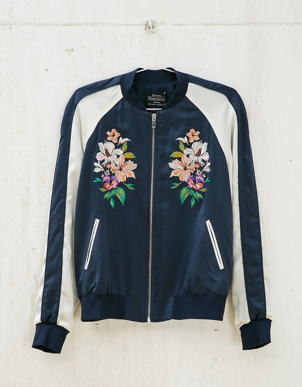 bomber satin brod null bershka france bombers pinterest vestes fleuri et vestes bomber. Black Bedroom Furniture Sets. Home Design Ideas