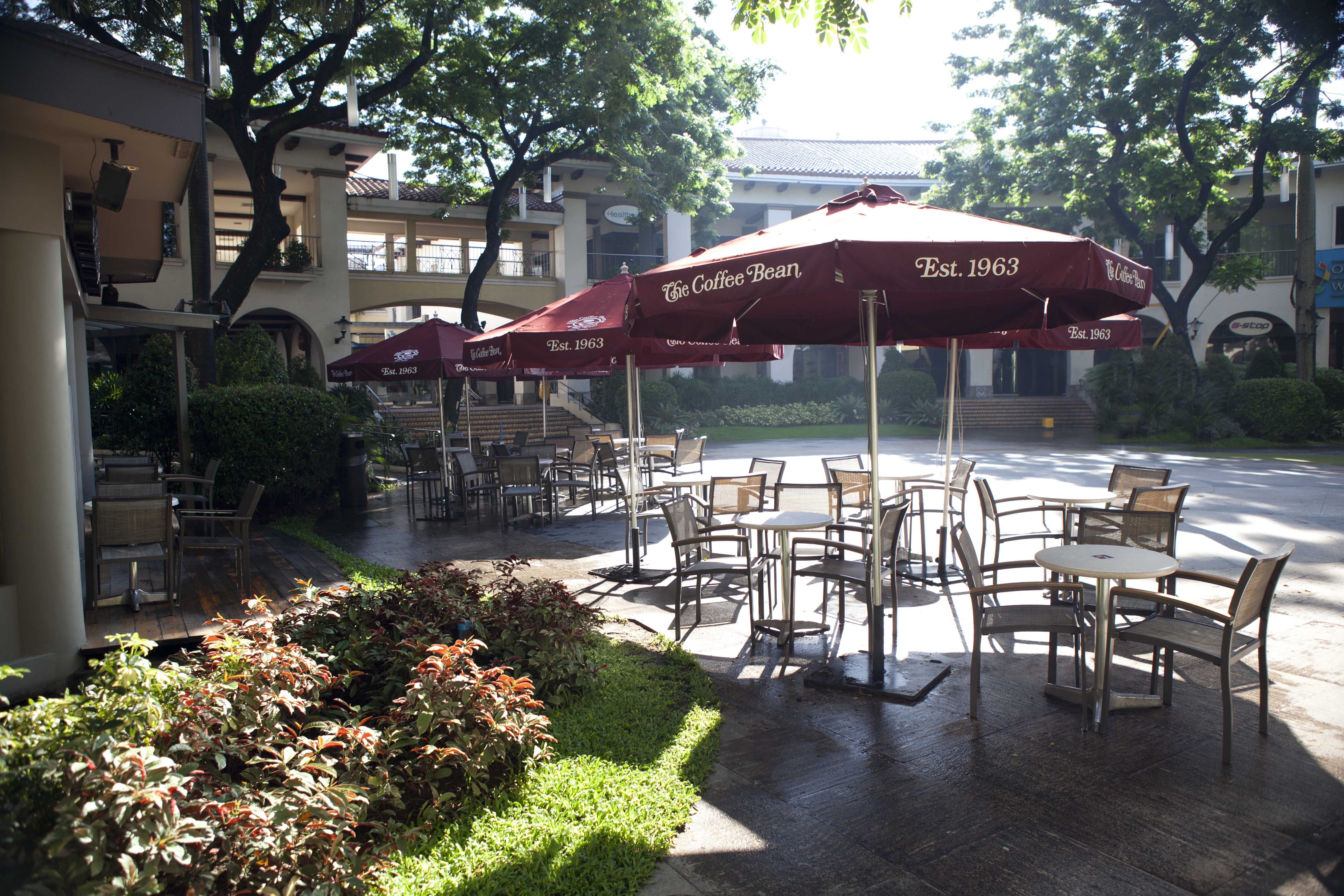 It's always good to get some fresh air at Alabang Town