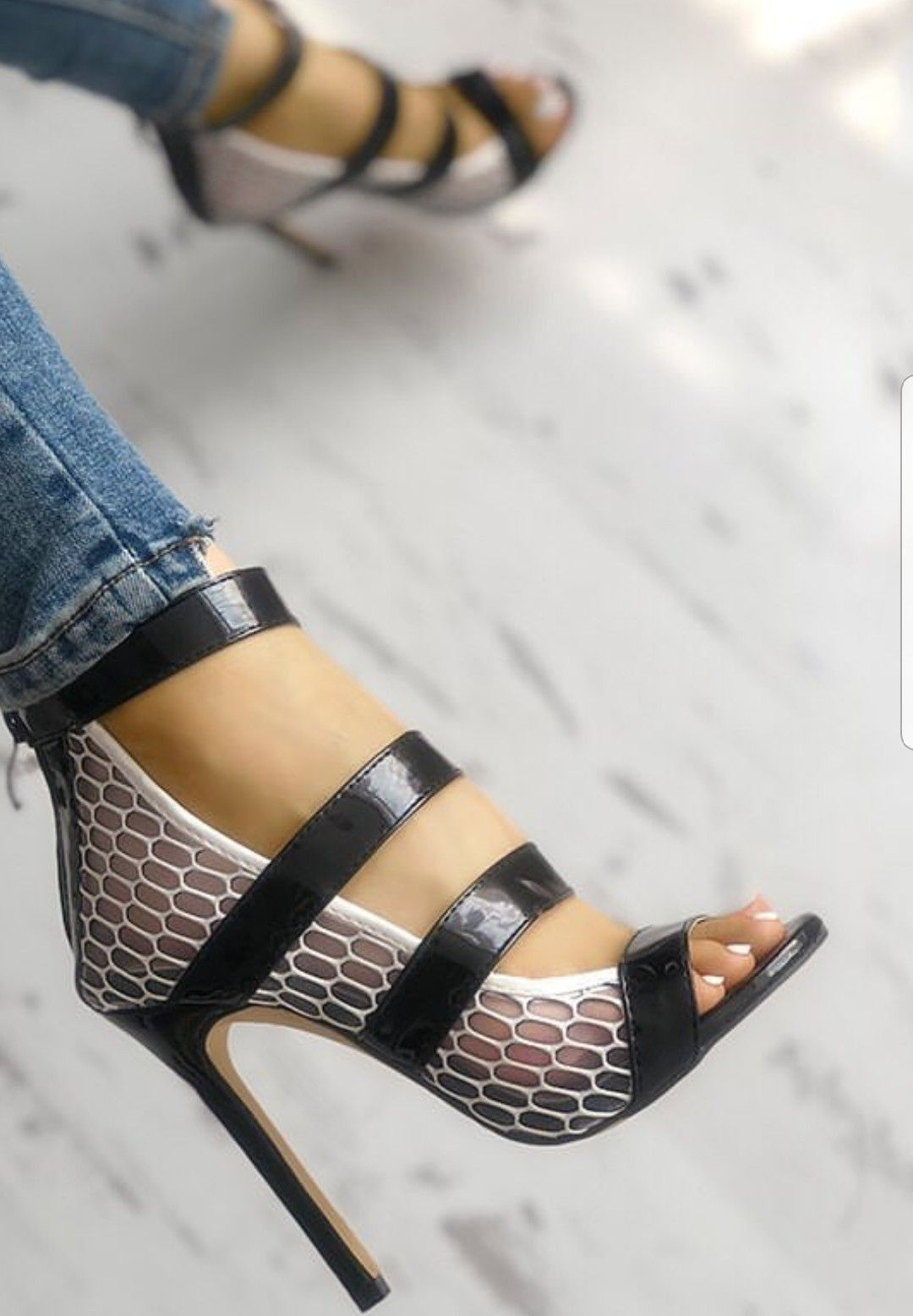 e15f2ea9f09b Find this Pin and more on Heelicious by Ty McClain. Sandalias De Tacón  Alto