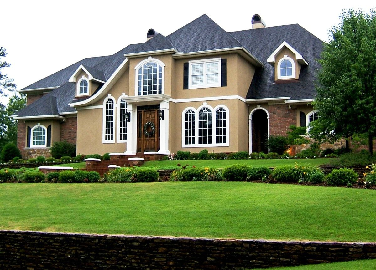Stucco Homes: The Pros and Cons of a Stucco Exterior | house paint ...