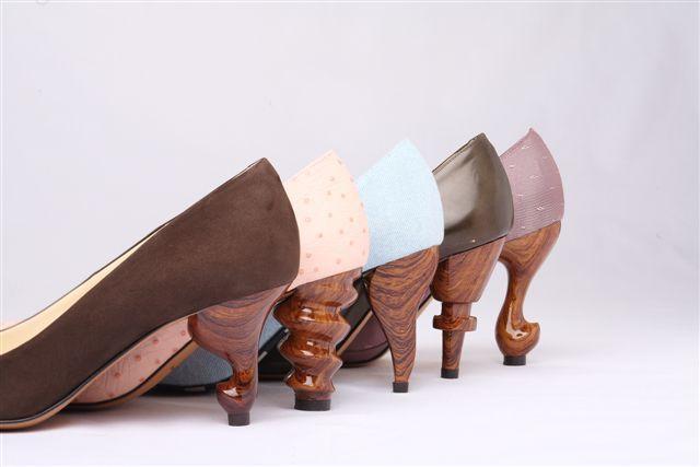 by Tyake Tyoke (via downlo http://downlo.tumblr.com/post/6221144901/carved-heels)