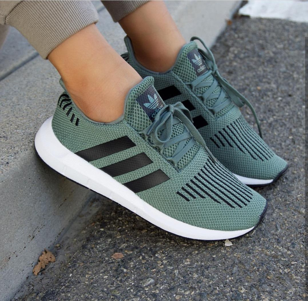 adidas Originals swift in olive grün schwarz // Foto ...