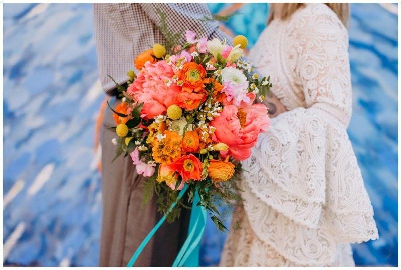 Super Colorful Wedding Bouquet Flowers Sioux Falls South Dakota Photo By Kylee Jade Photogr With Images Colorful Wedding Bouquet Flower Bouquet Wedding Wedding Bouquets