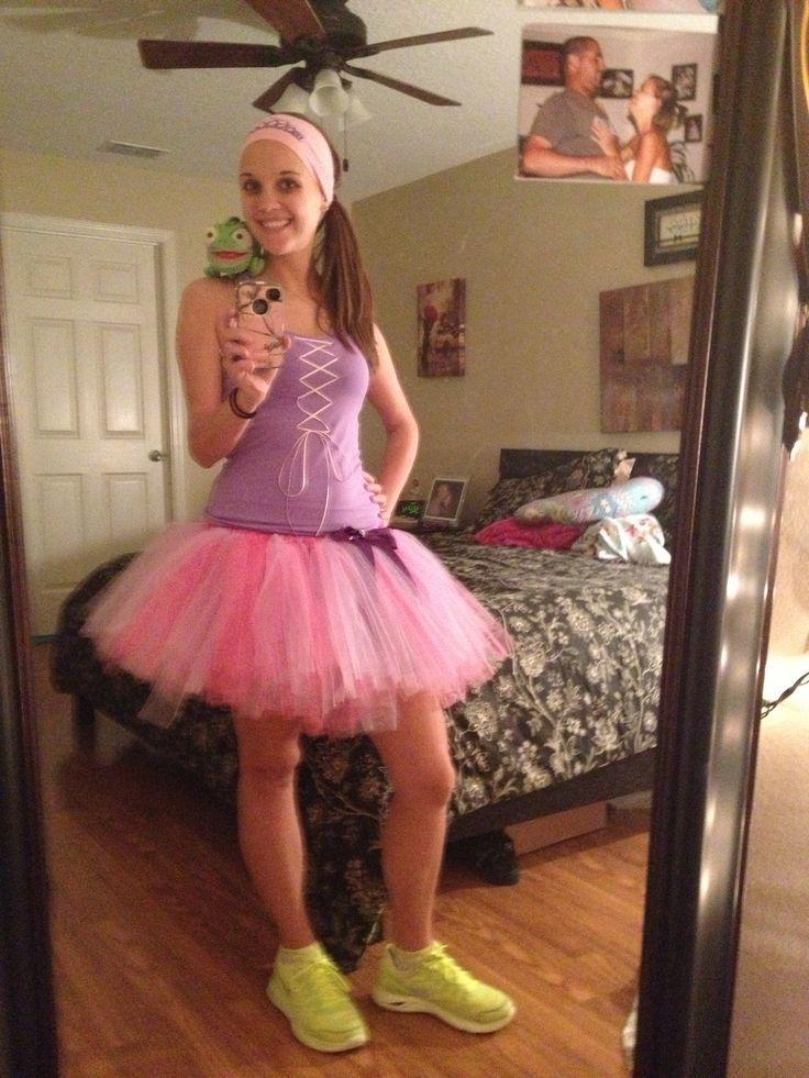 Cute Punzie running costume idea