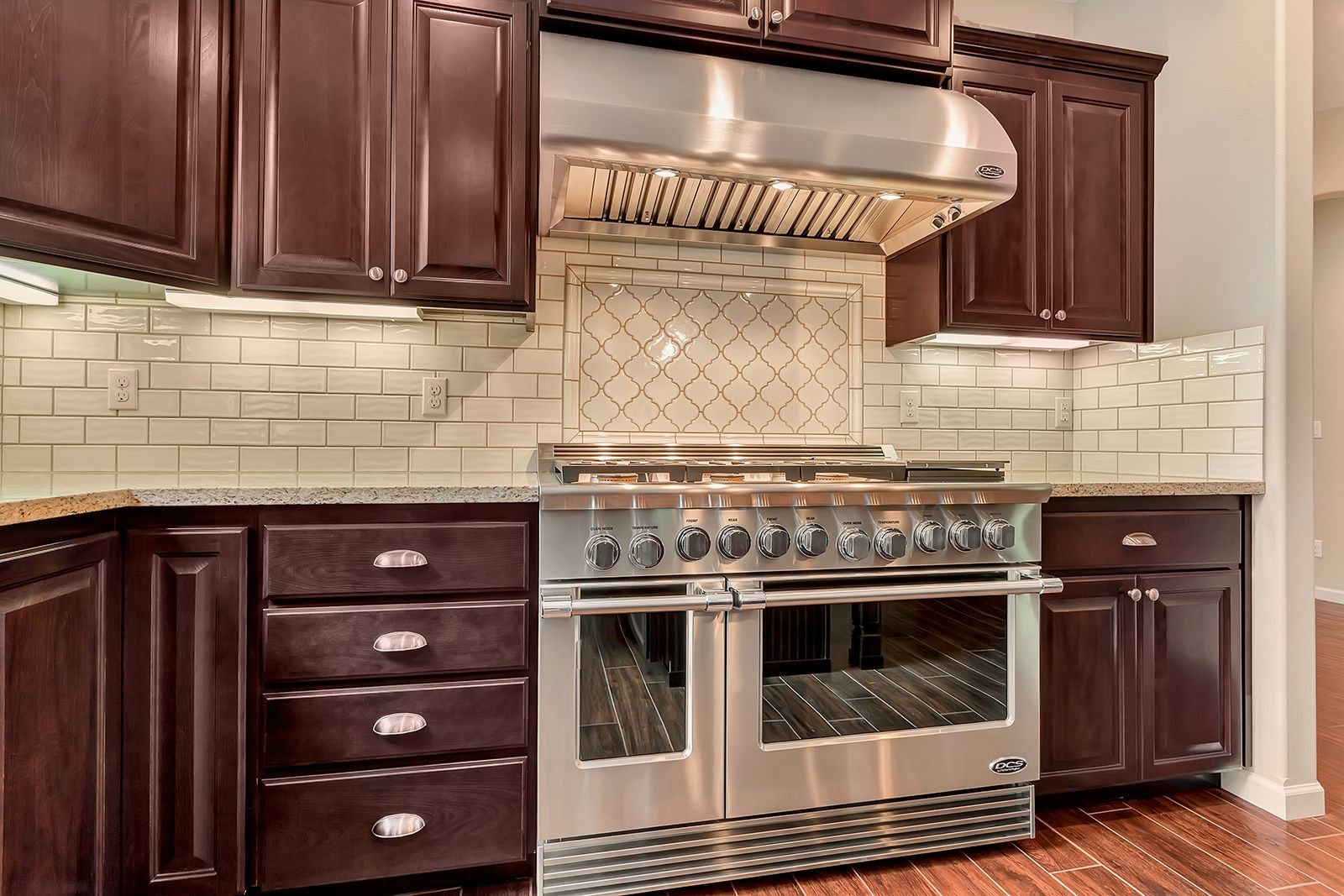 Matching Backsplash To Countertop Subway Tile Backsplash With A Matching Arabesque Accent