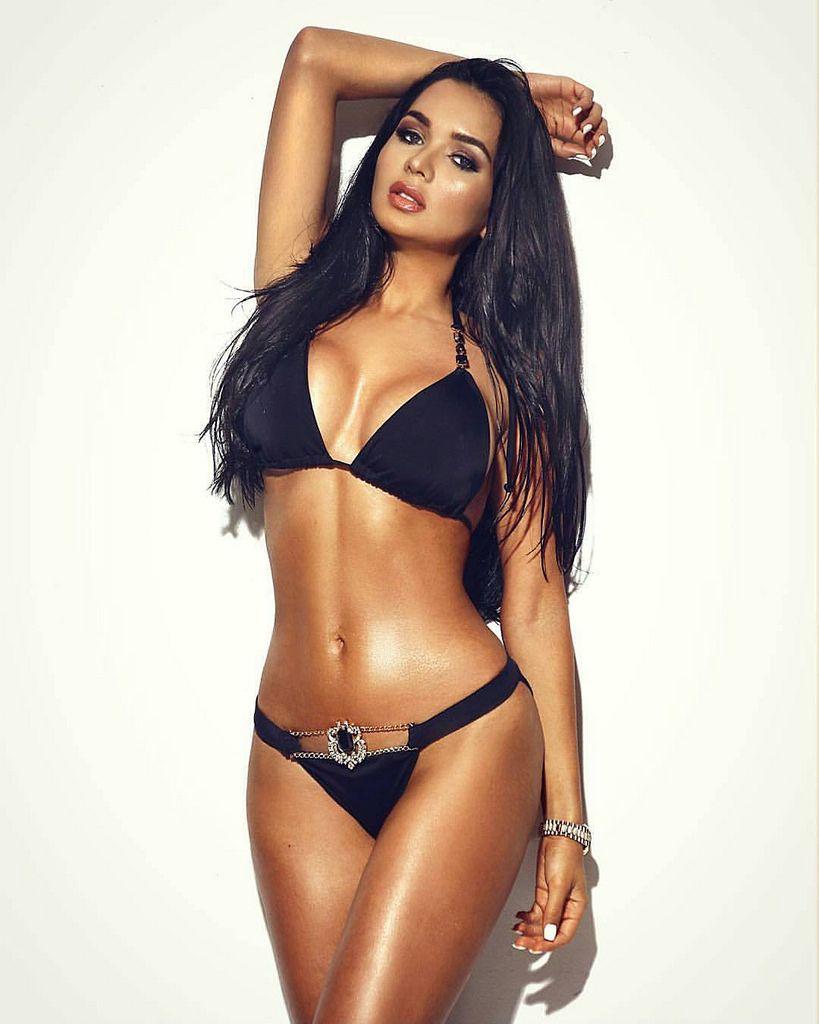 sexiest-brunette-hardcore-female-pornstar