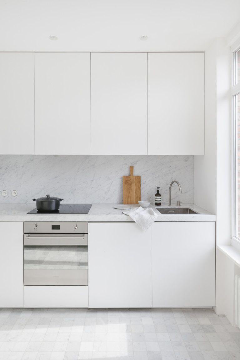 kitchen inspration, white kitchen, simple, minimal, ilovebeautiful things #minimalkitchen
