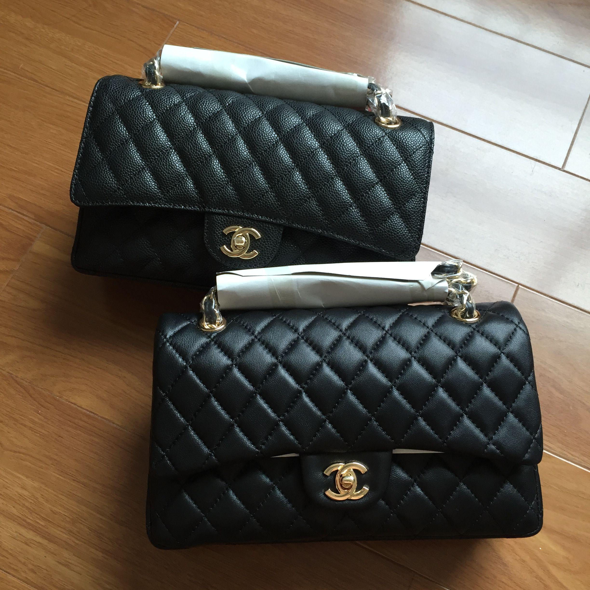 326115a33603 Chanel woman 2.55 double flap bag caviar & lambskin black gold medium size