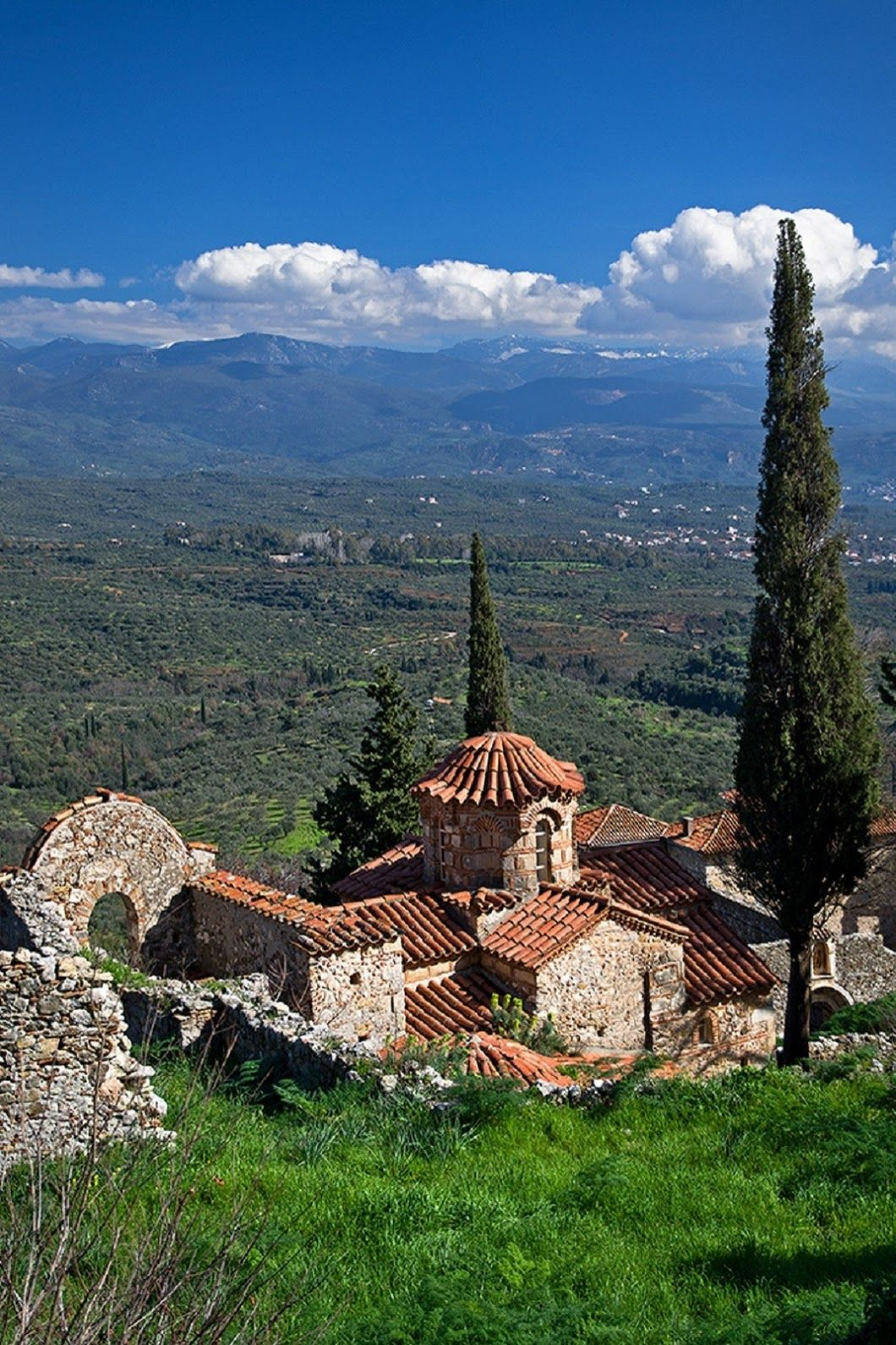 Mystras Greece With Images Greece Places In Greece Travel