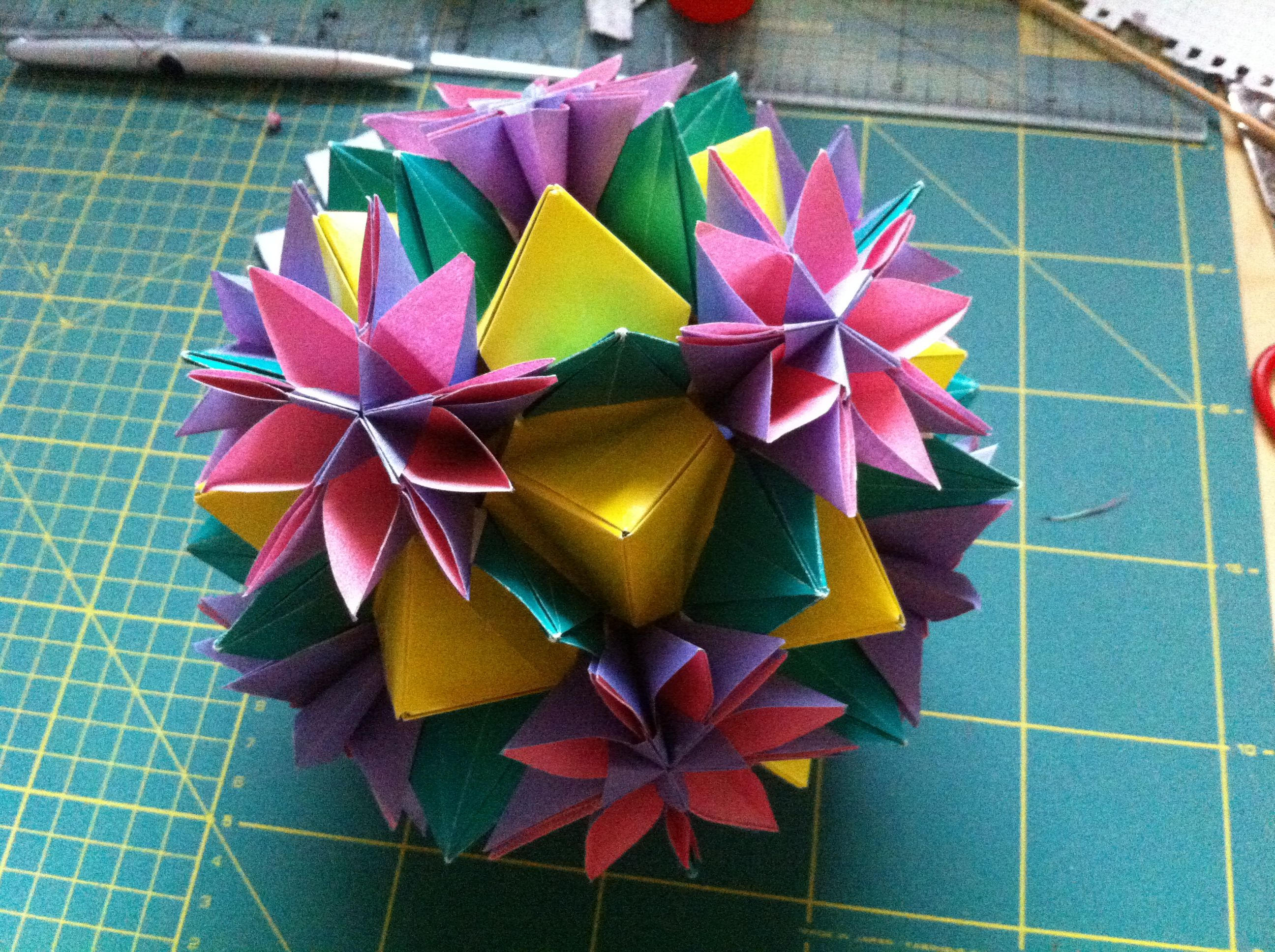 Origami Flower Ball Made Of Wrapping Paper Paper Projects