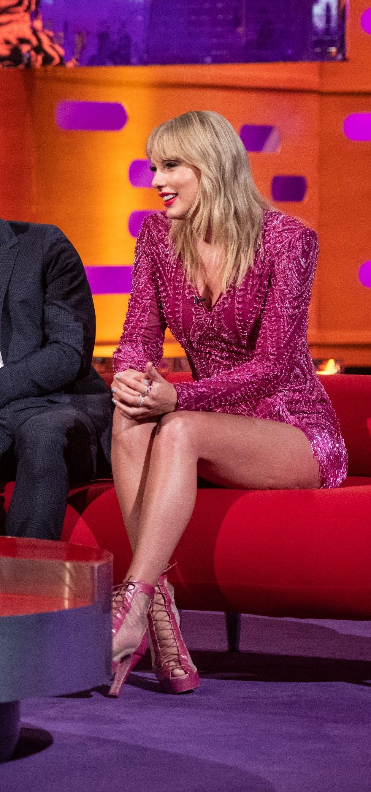 Taylor Swift Queen Taylor swift hot