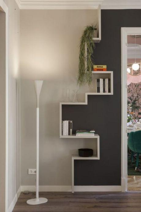 Funny and space saving shelves Lustige und platzsparende Regale