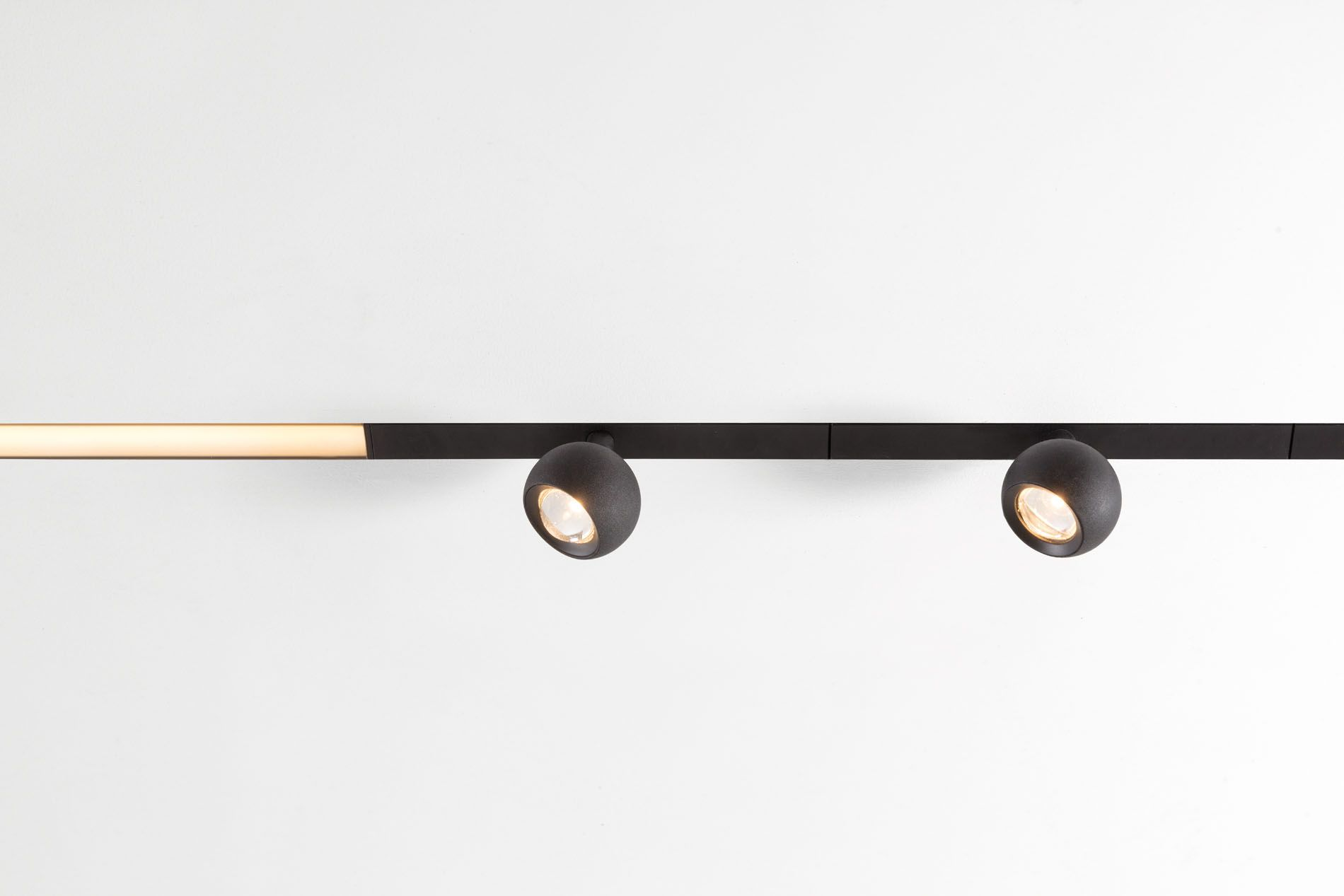 New Designed Specifically For Pista S Magnetic Track Rails Marbulito Takes Accent Lighting To The Ne Pendant Track Lighting Led Track Lighting Track Lighting