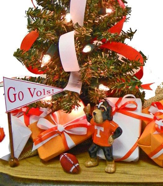 Explore Tennessee Volunteers, Home Offices, and more! Tennessee Volunteer Christmas  Tree