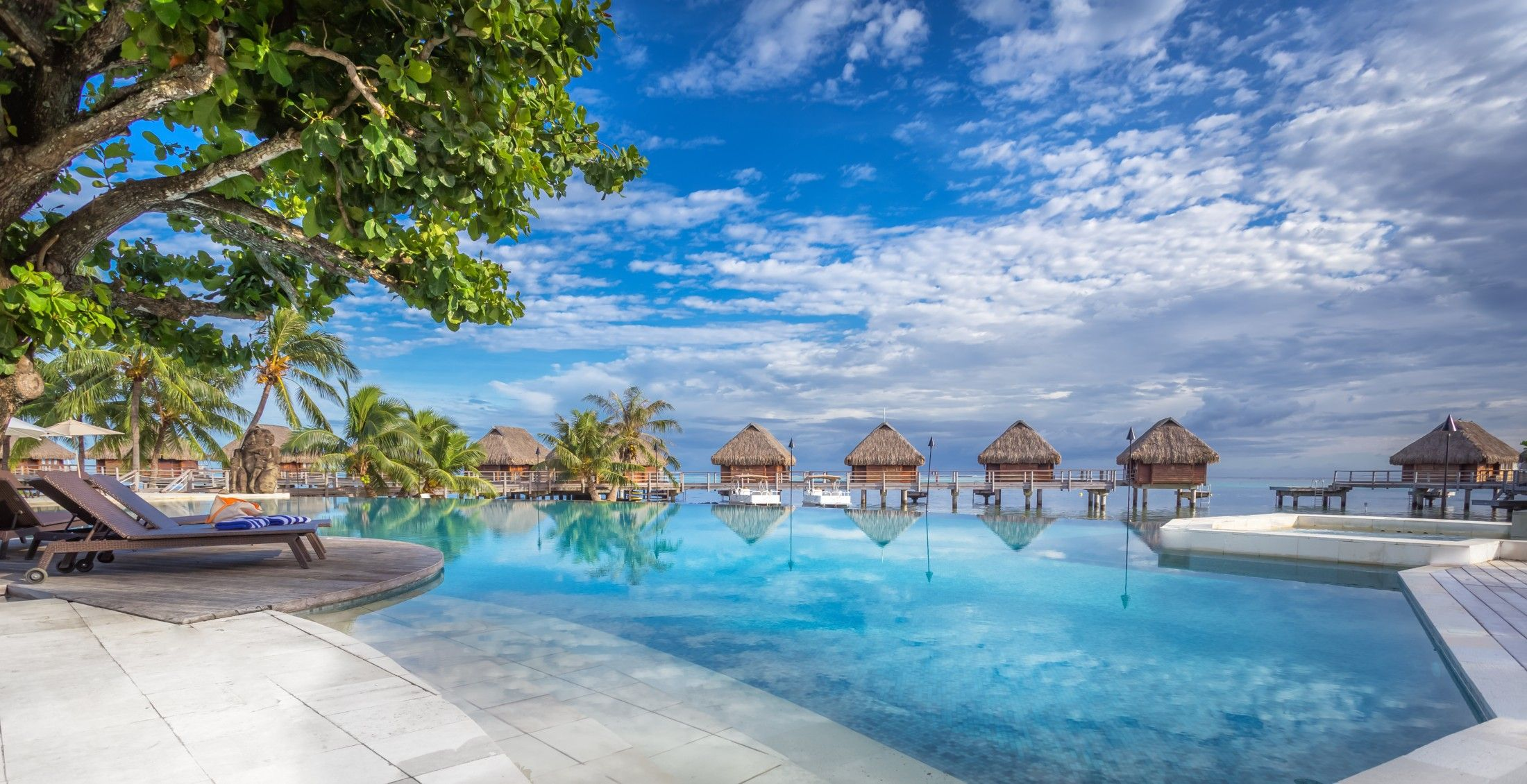 Manava Beach Resort  Spa Hotel Moorea  Beach honeymoon