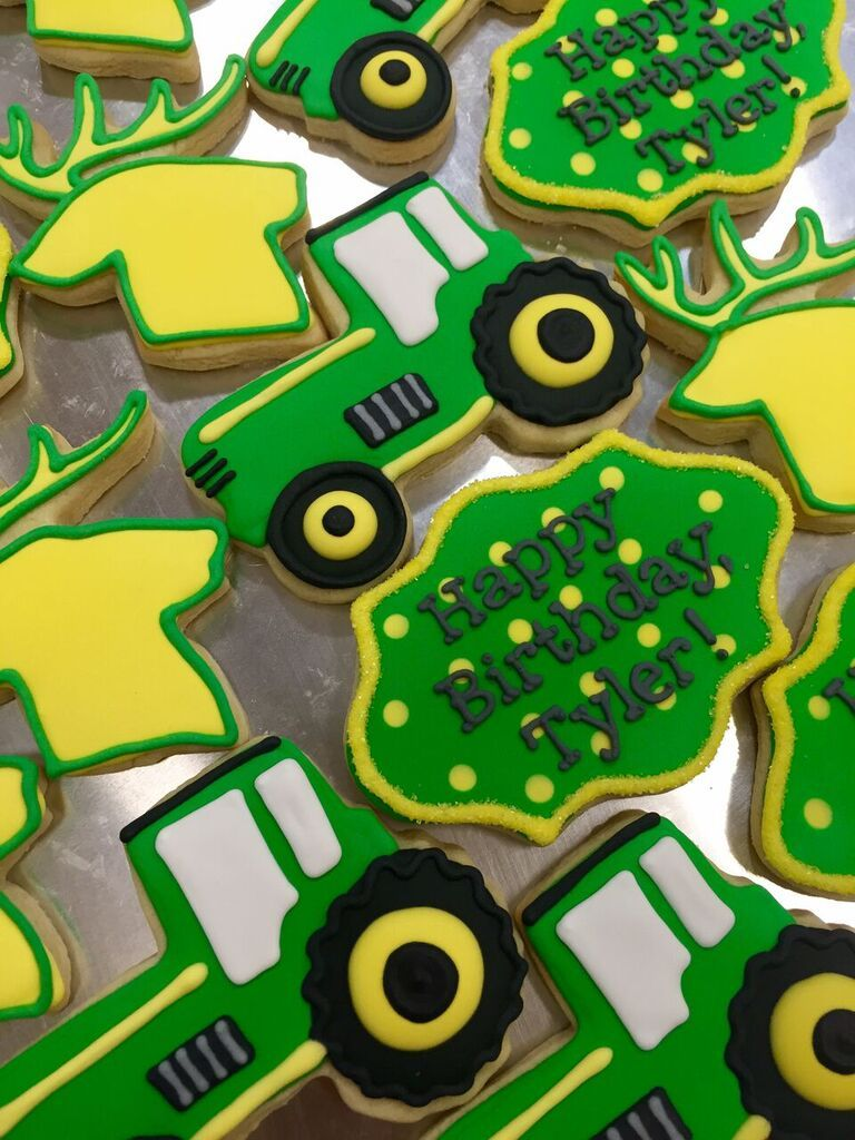 Beep beep! Watch out for these John Deere tractor cookies!