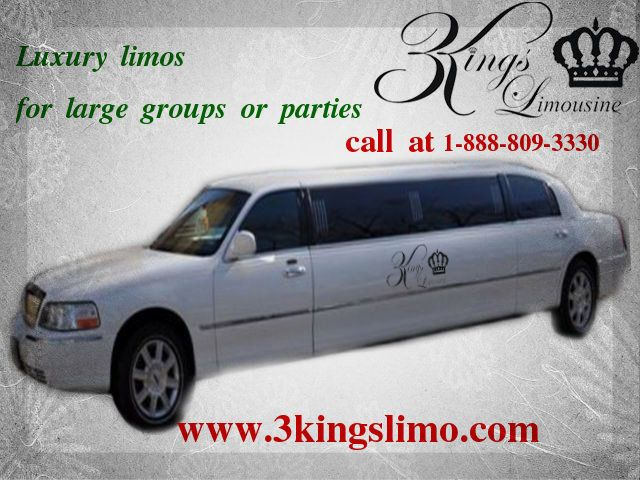All Type Of Our Limo Is Perfect For Large Groups Or Parties Wedding Limo Service Wedding Limo Wedding Insurance