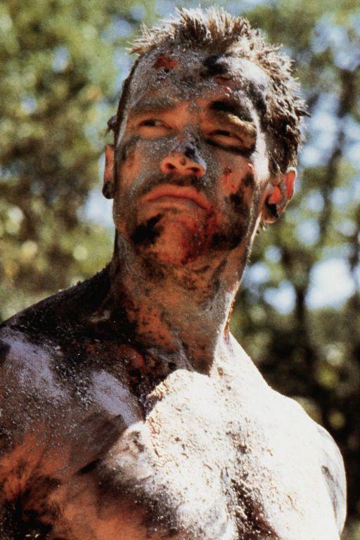 Arnold Schwarzenegger behind the scenes in #Predator (1987).