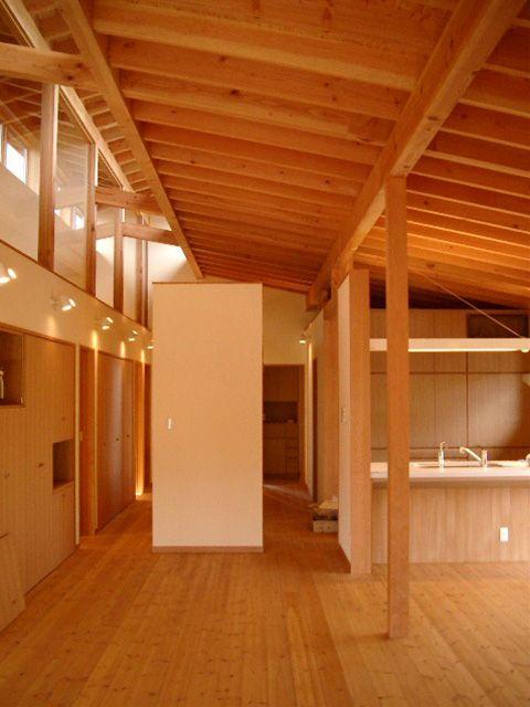 廊下真ん中の設備ブロックを見る 注文住宅 吹き抜けのある家 狭小住宅