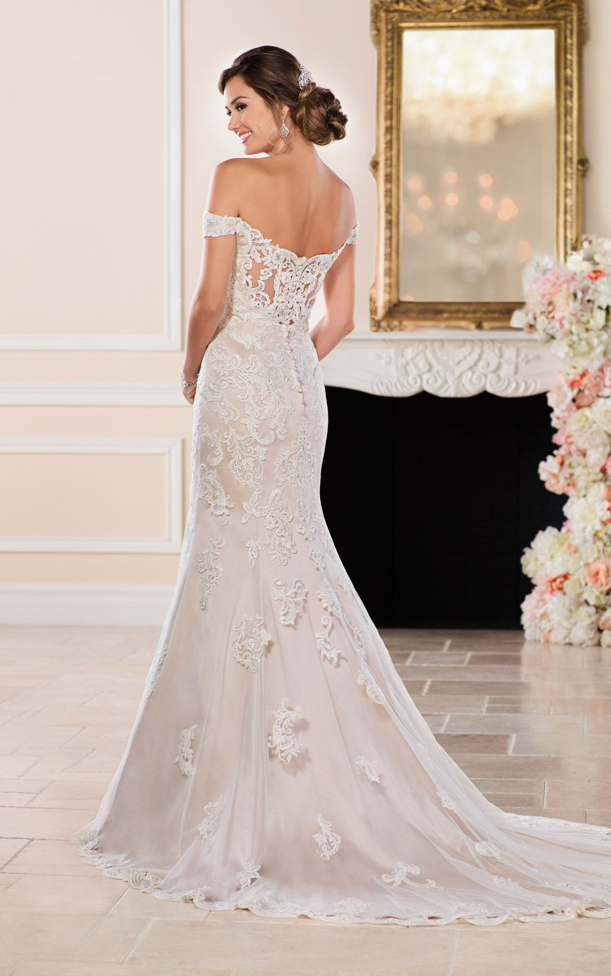 Mermaid Wedding Dresses Glamorous Mermaid Wedding Gown Stella York Perfect Wedding Dress Wedding Dresses Wedding Dress Sewing Patterns [ 1914 x 1200 Pixel ]