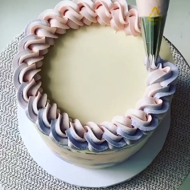 Relaxing cake decorating tutorial�