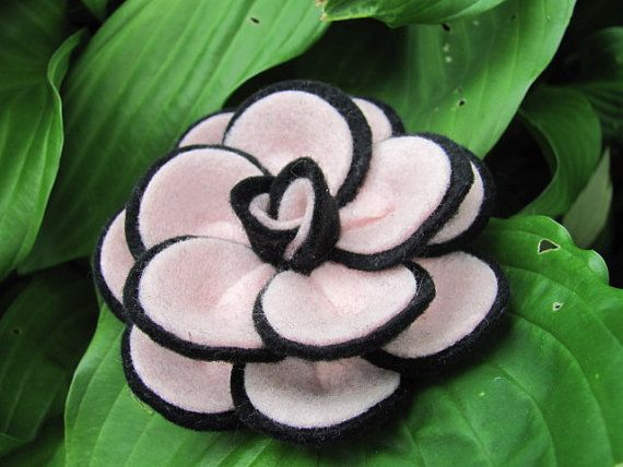 Felt Rose Pattern PENNY ROSE No Sew Felt Flower by SewYouCanToo