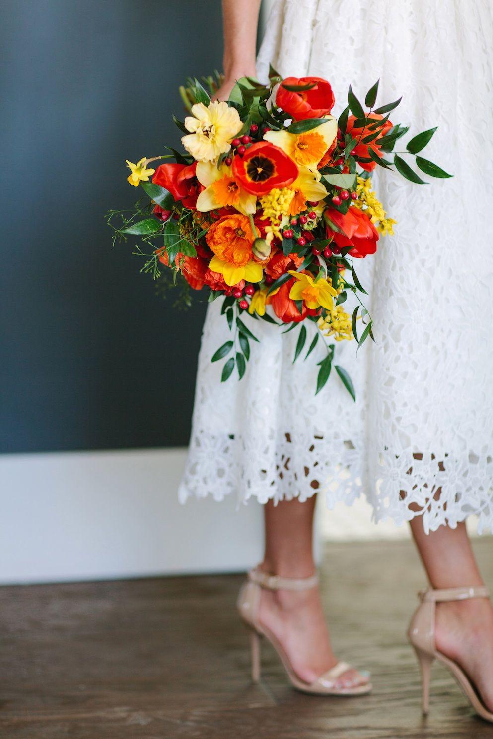 Sun kissed bright wedding flowers utah calie rose daffodil for Bright wedding bouquet