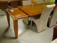 Klassieke Uitschuifbare Eettafel.Klassieke Uitschuifbare Tafel Living Eetkamertafel