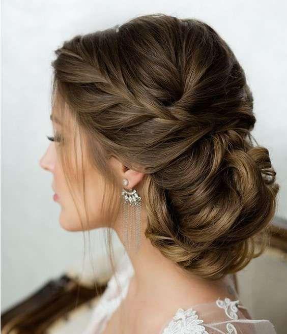 Peinados con trenzas para invitadas de bodas