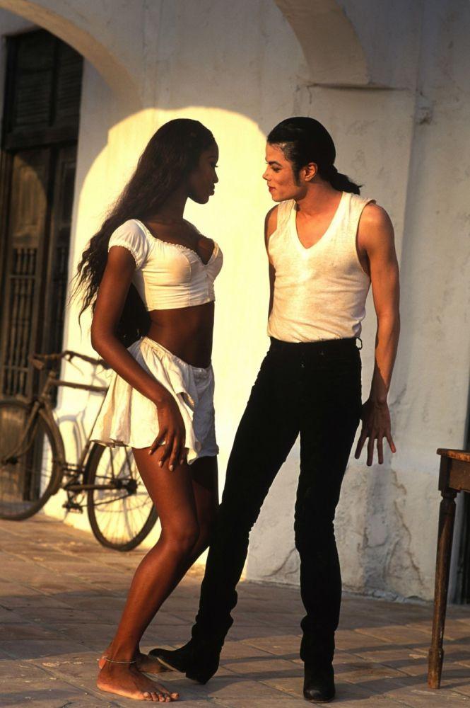 Редкие фотографии Майкла Джексона в 2020 г | Майкл джексон ...  Наоми Кэмпбелл В Клипе Майкла Джексона