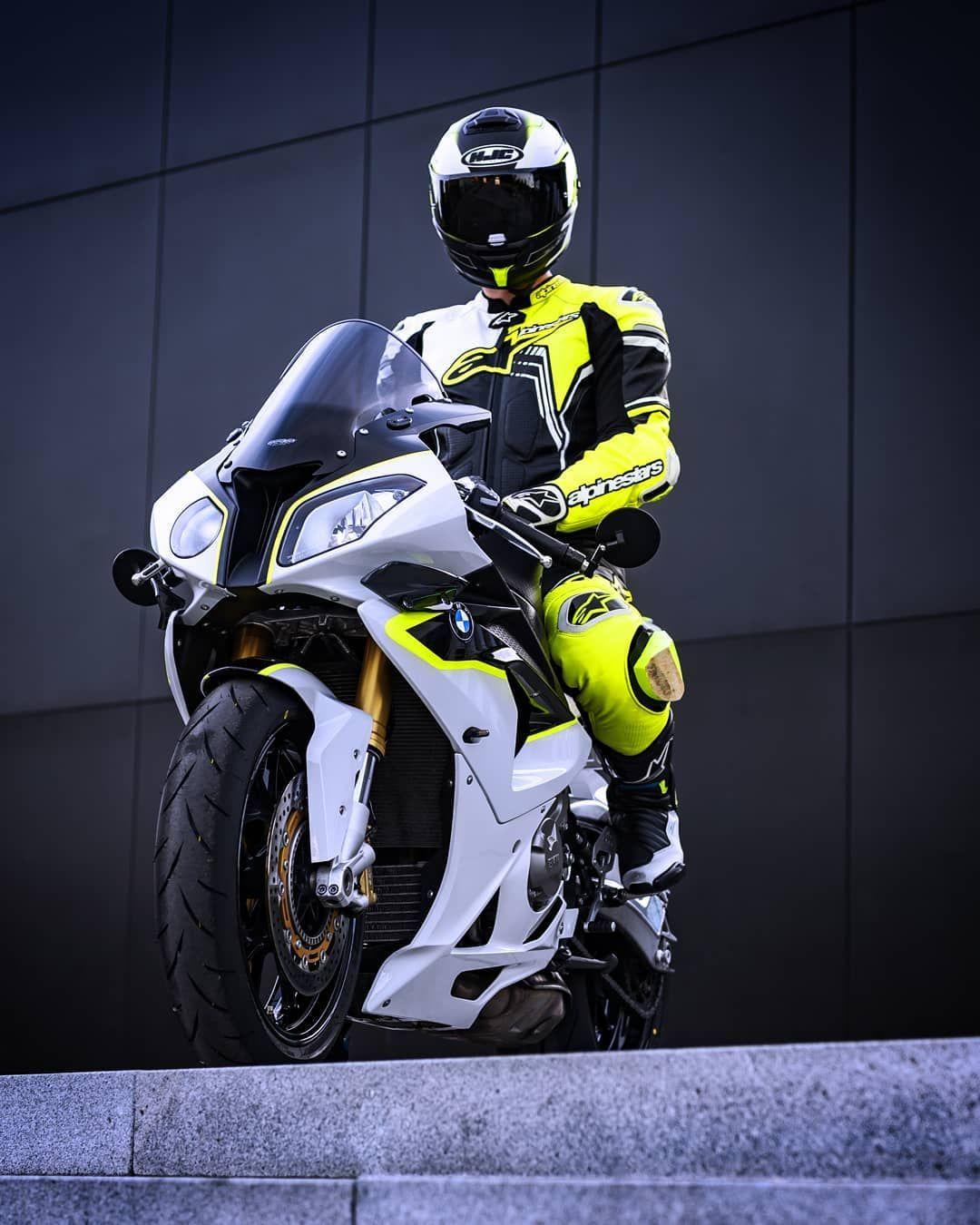 Bmw S1000r S1000rr On Instagram So Ziemlich Das Letzte Bild In Diesem Anzug Geniesst Es Bike Bmwmotorrad S100 In 2020