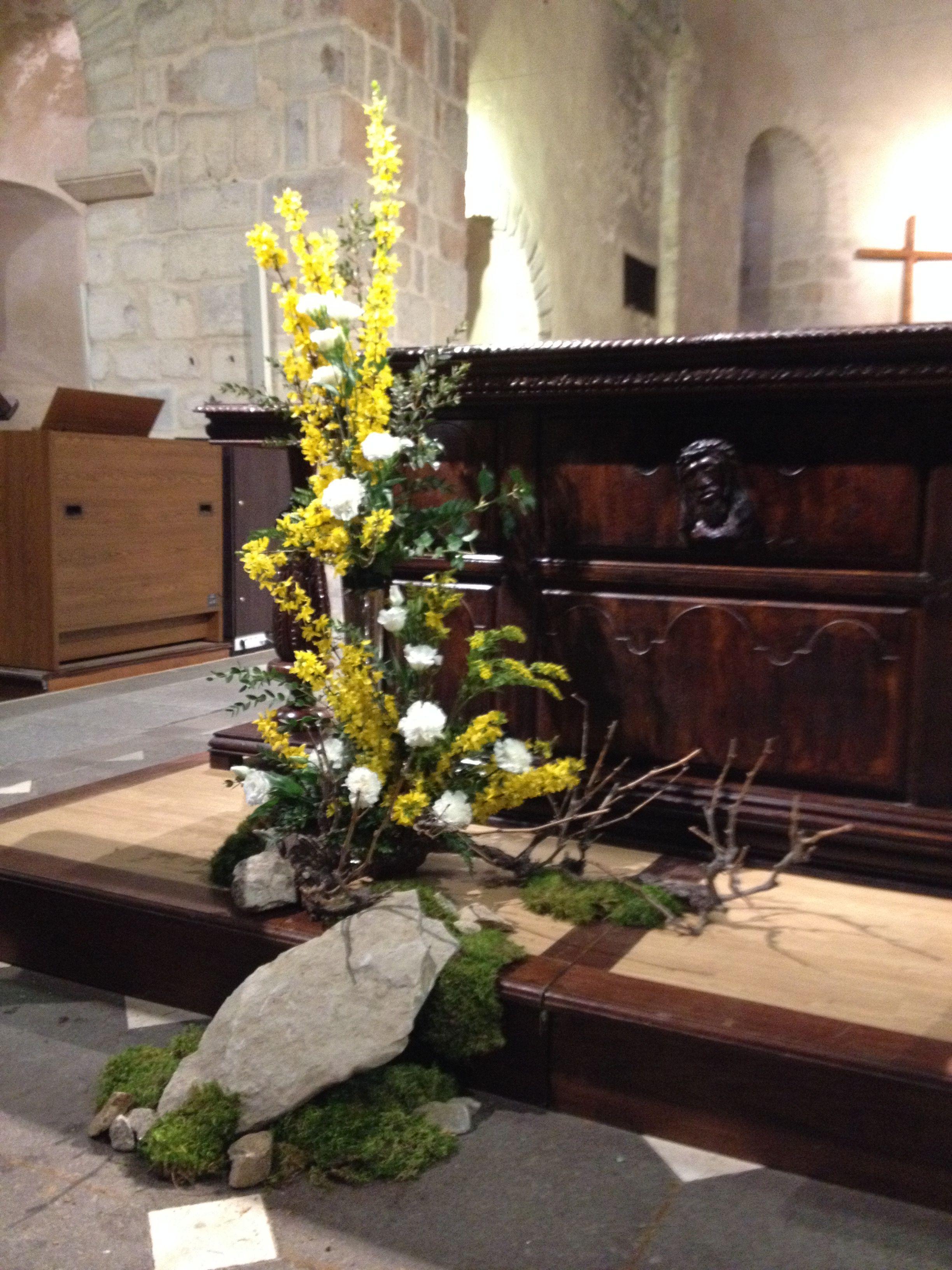 Pâques Cierge Pascal, Deco Eglise, Deco Originale, Arrangements Floraux,  Composition Florale,