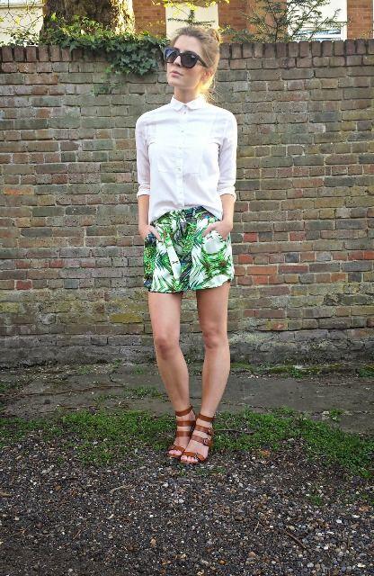 18 Sommer-Outfits mit tropischen bedruckten Shorts