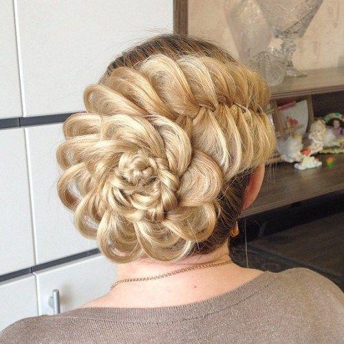 Fêtes & Soirées : 40 idées coiffures chignons sur cheveux longs pour être la plus charman…