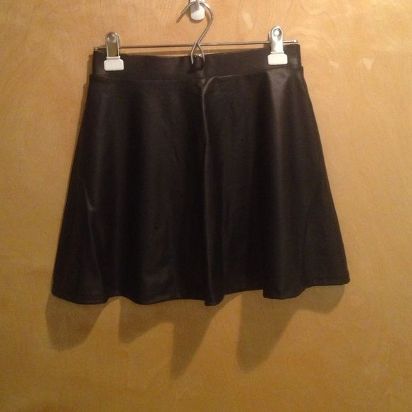 3 for $16‼️Black leather skirt Excellent condition! 95% polyester 5% spandex Forever 21 Skirts Circle & Skater