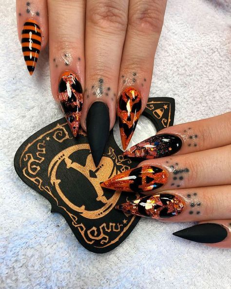 Pin by Invisible Cloack on Claws | Pumpkin nails ...