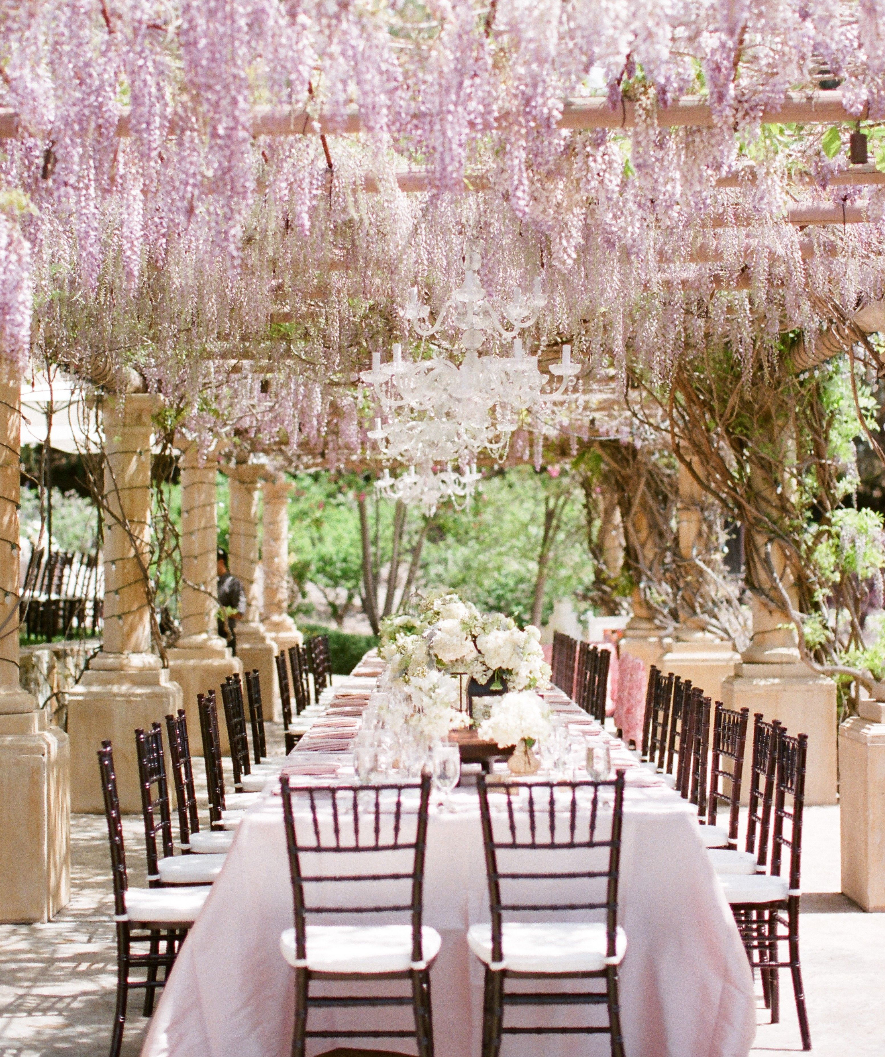 Crystal And White Wedding Theme: Gorgeous Dining Room Outdoor Long Dinning Table Decoration